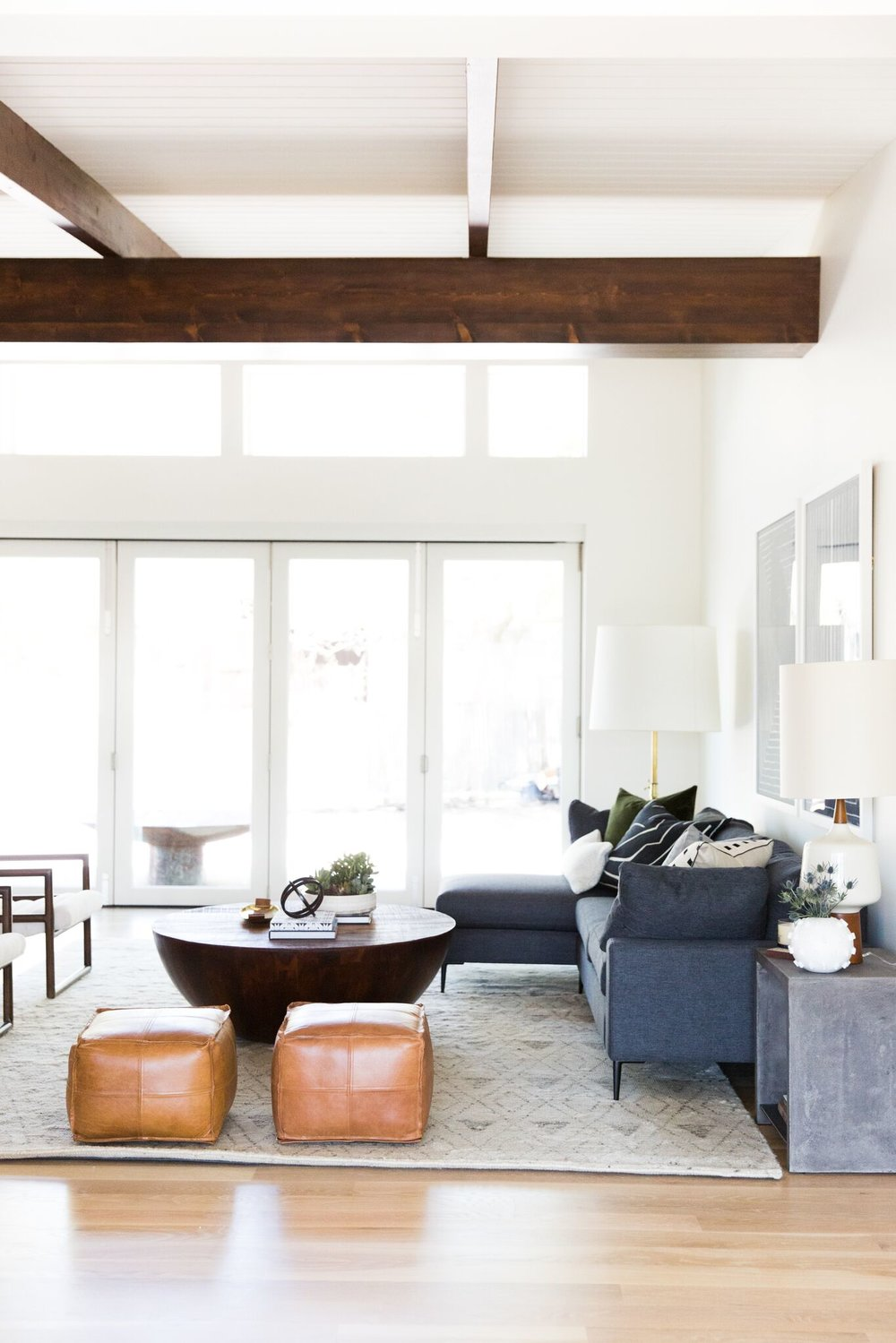 Mid Century Modern Living Room With Natural Wood Beams Part 79