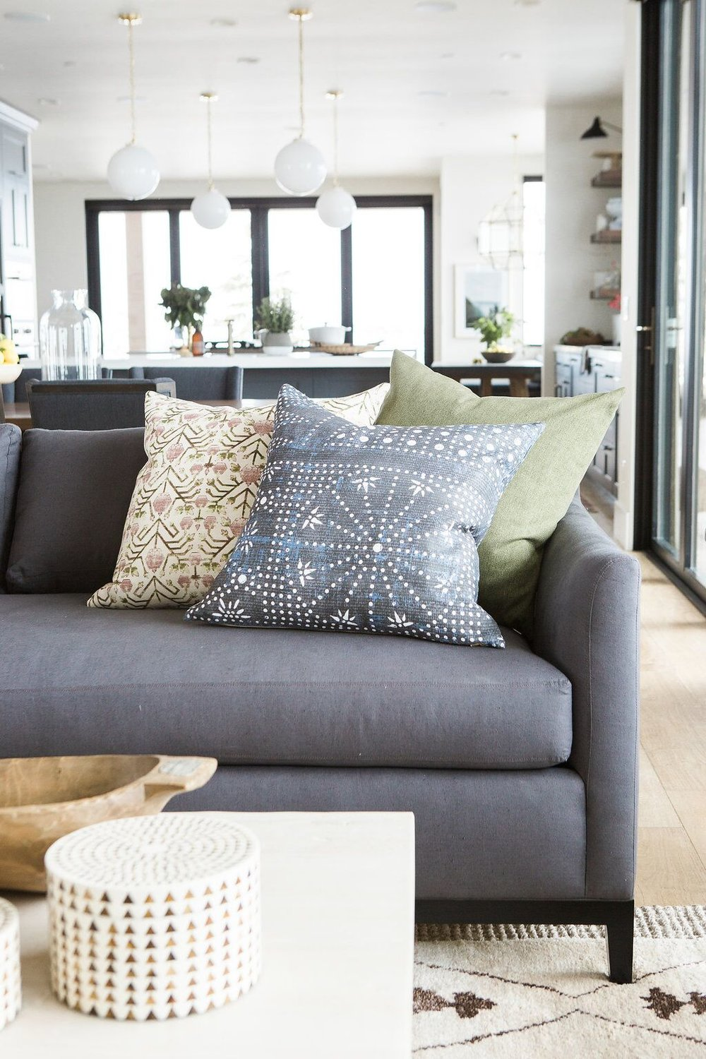 Charmant If You Liked These Tips, Stay Tuned For Pillow Styling On A Sectional And A  Bed!