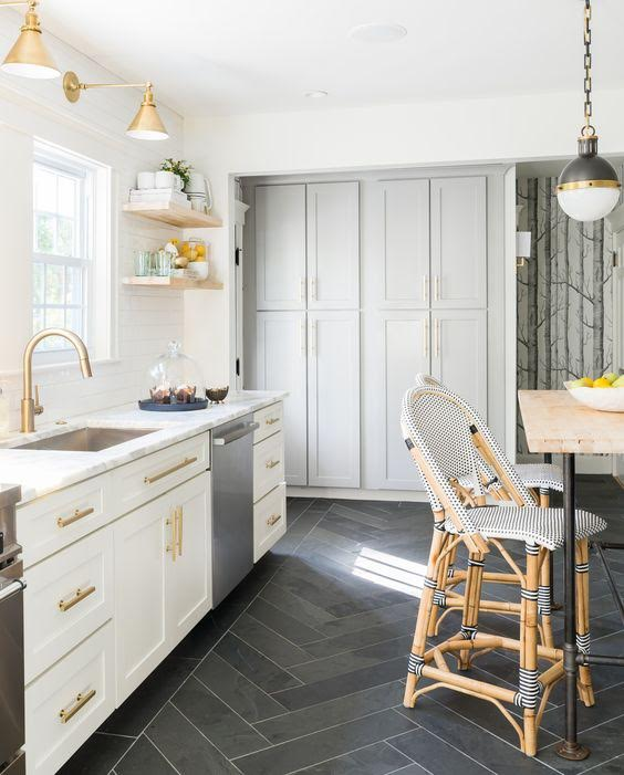 The Kitchen Studio: Combinations For A Coastal Kitchen