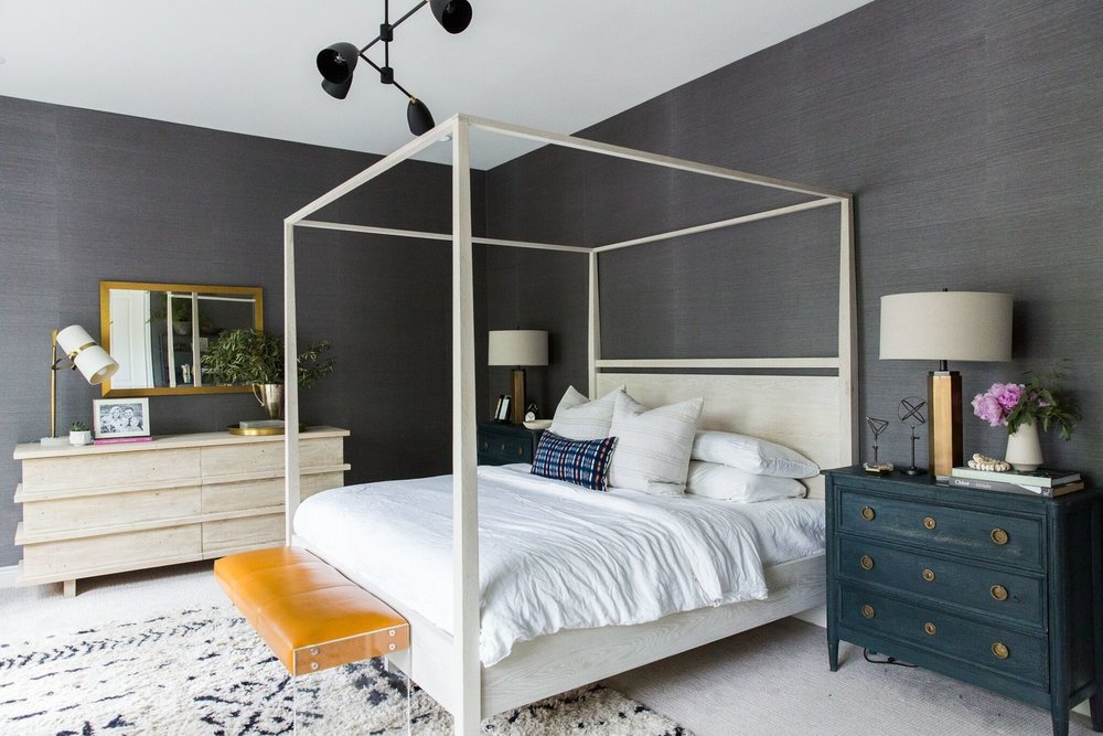 3Moody+Bohemian+Master+Bedroom+with+Dark+Grasscloth+Wallpaper,+Four+Poster+Bed,+and+Modern+Lighting.jpg