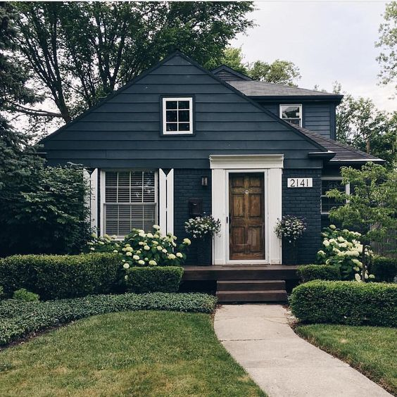 Trends We Love: Dark Exteriors | Studio McGee