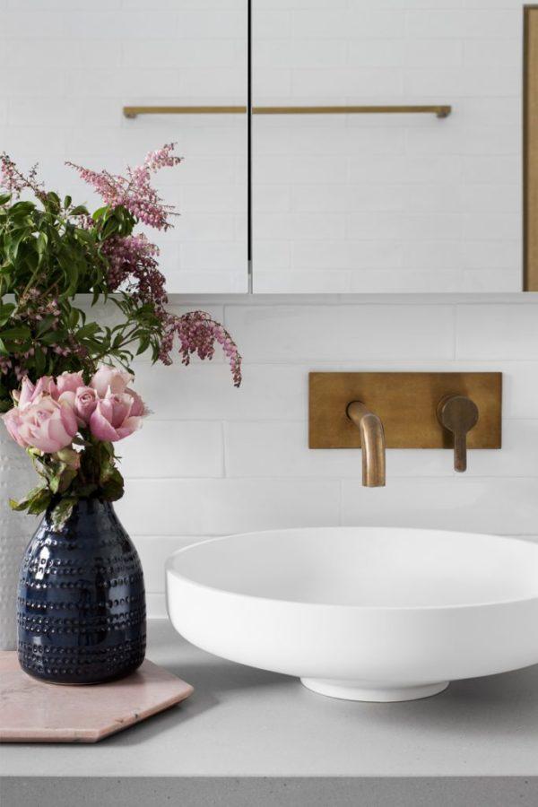 Grey-Bathroom-GIA_Preston-03-683x1024-600x900.jpg