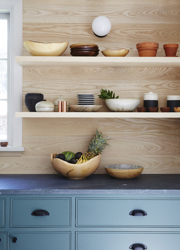 tour-a-breezy-la-home-with-the-most-dreamy-kitchen-modern-open-shelving-in-the-kitchen-599dee4aebb7c97766f47ce4-origin.jpg