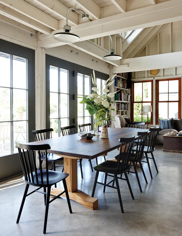 30-Style-Ideas-Cottage-Outdoor-Lighting.jpg
