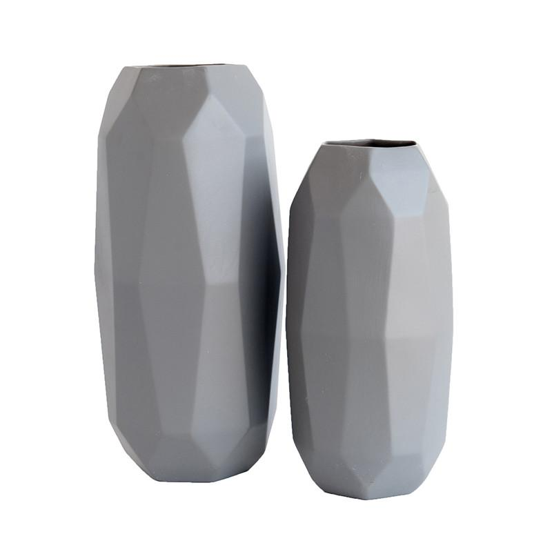 Faceted_Vase_2.jpg