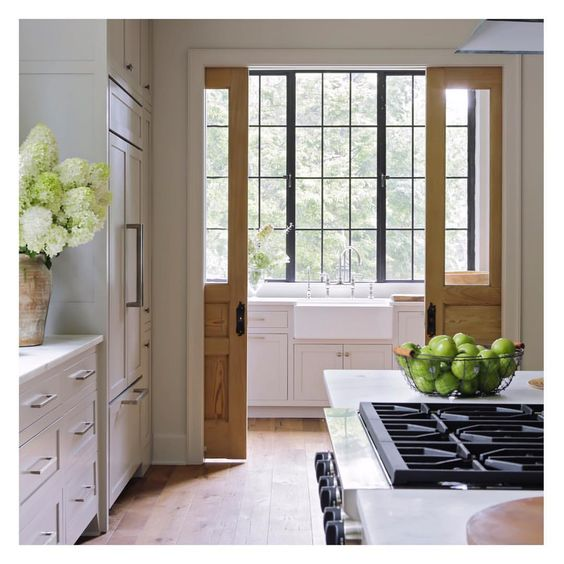 Design by  Rachel Halvorson  via  Southern Living Photo:  Laurey W. Glenn