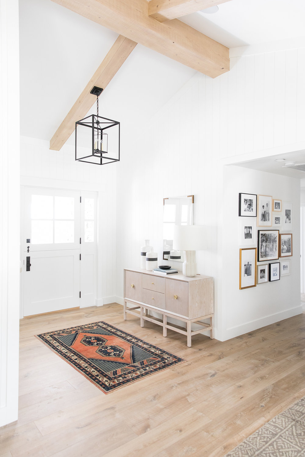 Vintage+Rug+_+Natural+Beams+_+Console+Styling.jpg