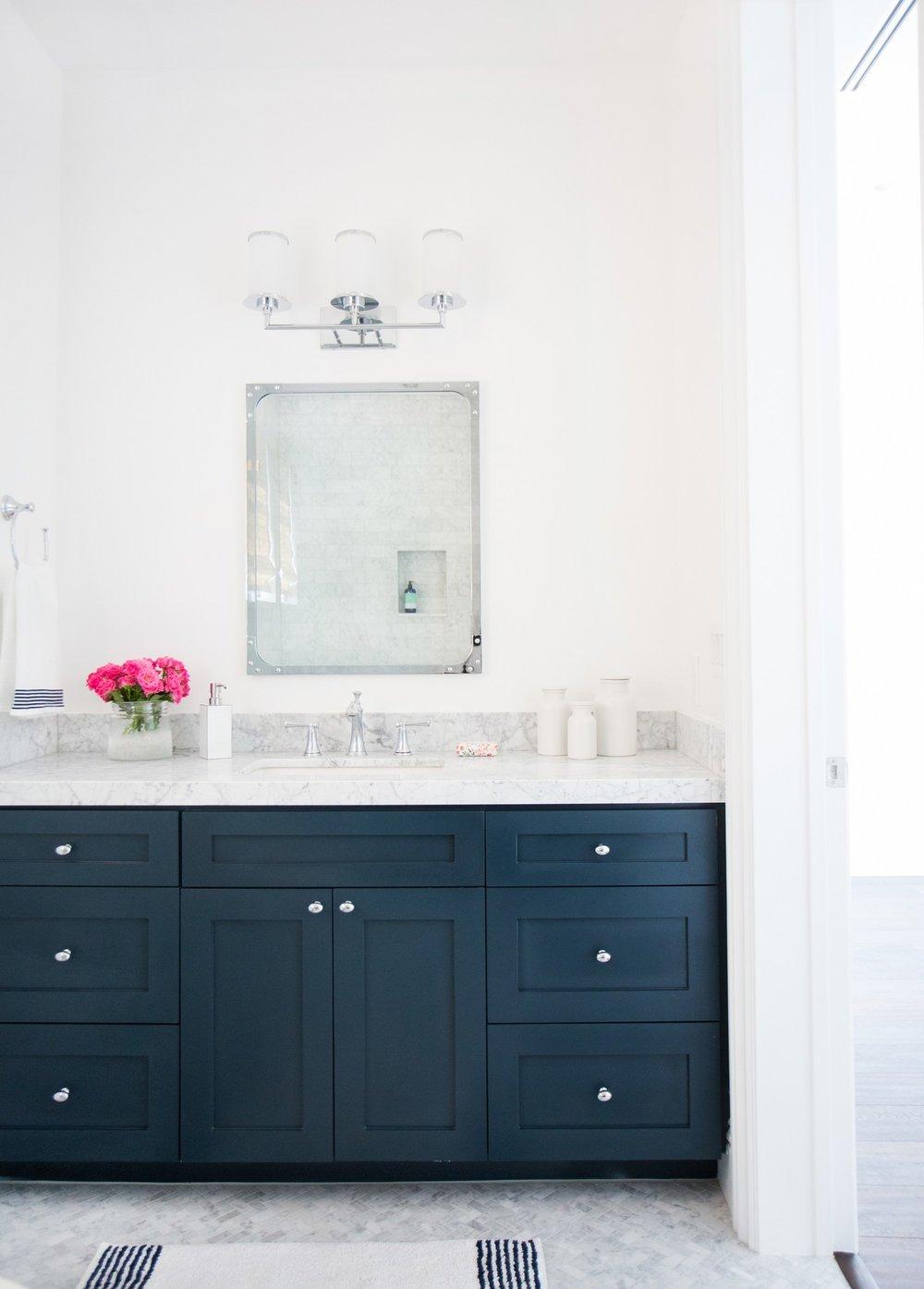 Marble+herringbone+floors+and+Benjamin+Moore+_Hale+Navy_+cabinets+__+Studio+McGee.jpg