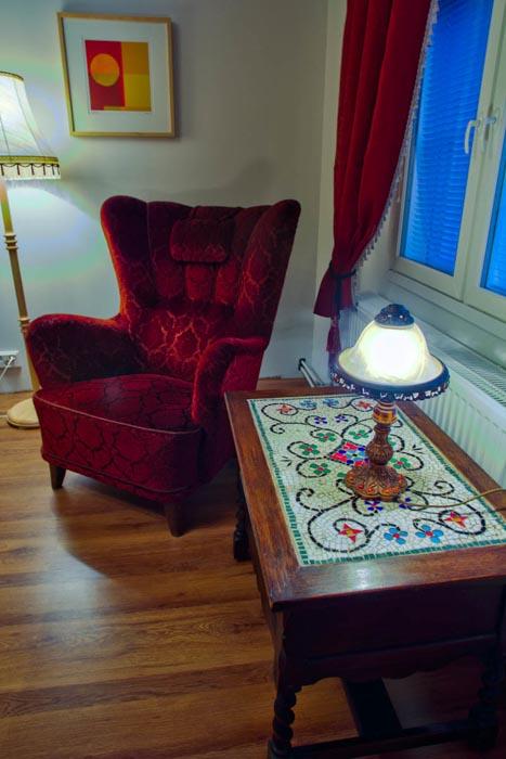 salpalinjan_hovi_kirjallisuus_huone-3.jpg