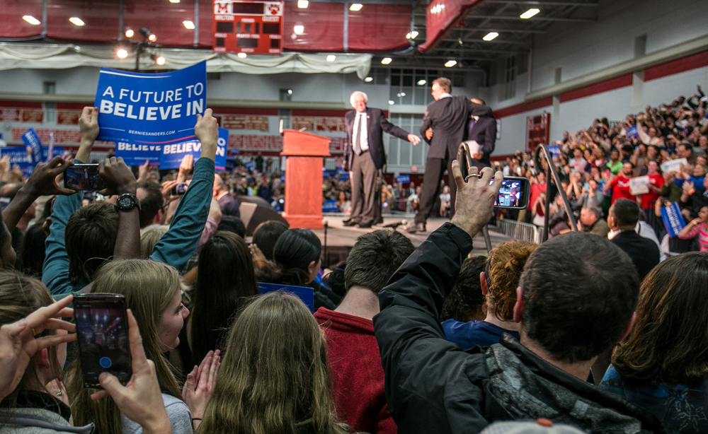 Clinton and Sanders - Schwarz --7.jpg