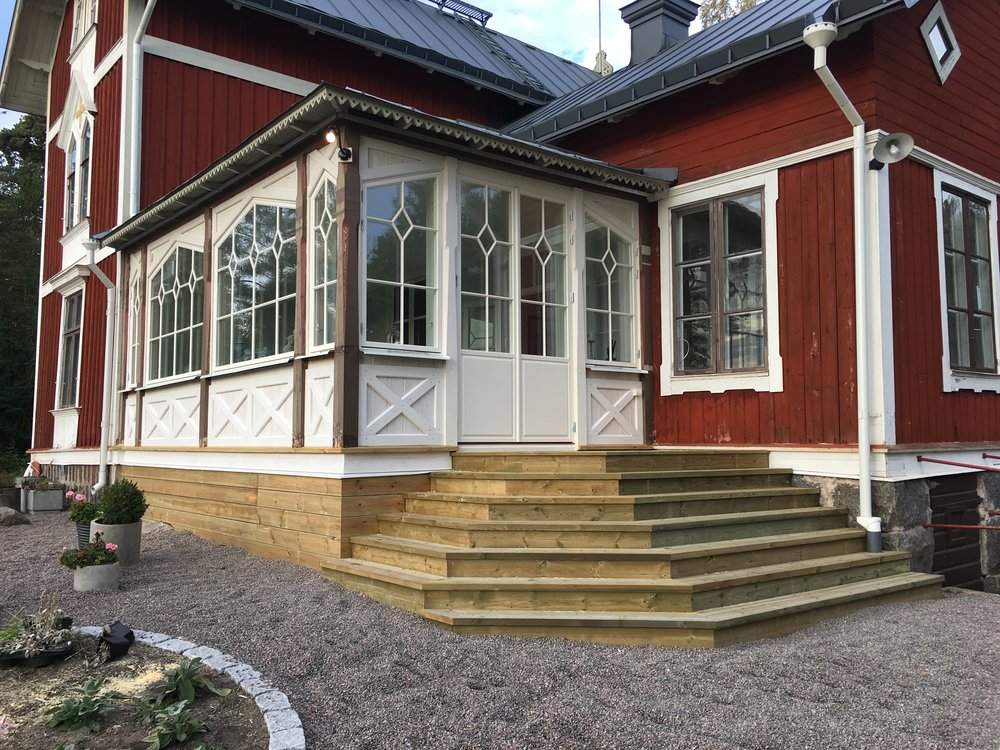 Fönster från Leksands allmogesnickeri.