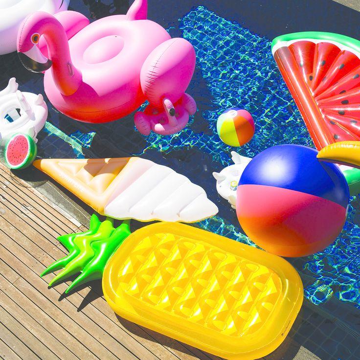 cbf2f537ad7261f377e88c5d58dd0693--pool-rafts-pool-inflatables.jpg