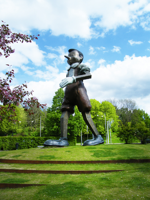 Pinocchiorondellen i Borås - kör igenom och passa på att slå en kik!