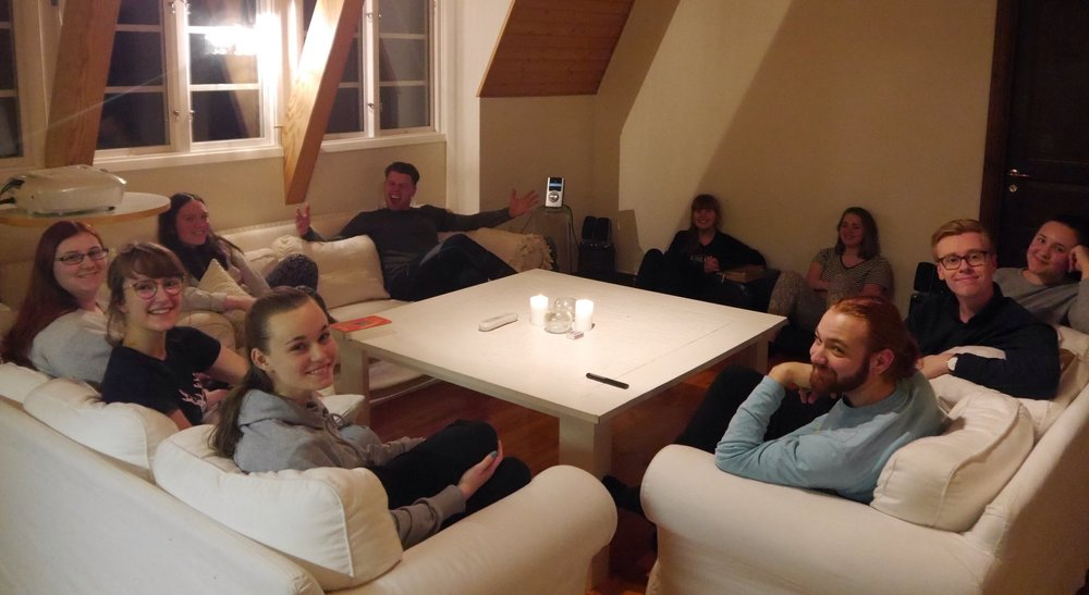 Nästan hela gänget teamare 16/17, hemma i NG-huset.