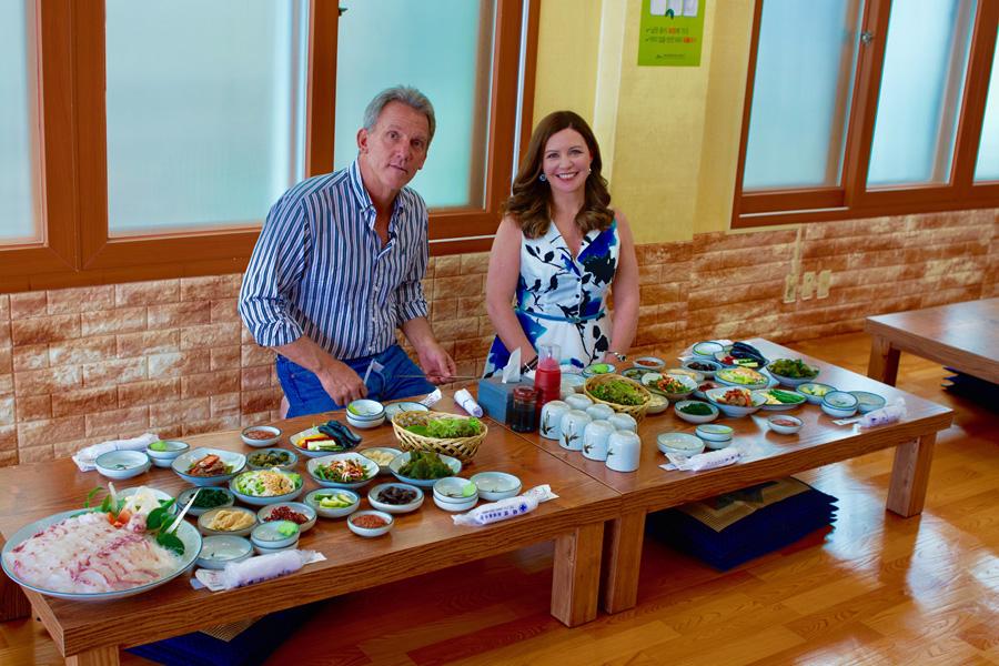Peter Hill Catherine Fulvio dine in a Fish Restaurant Jeju 2.jpg