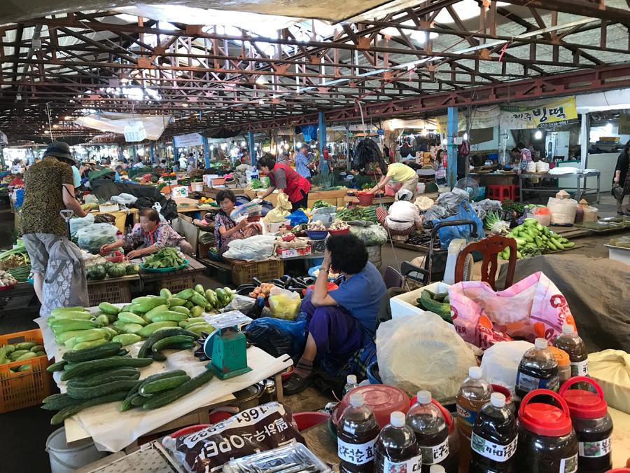 7 day market.jpg