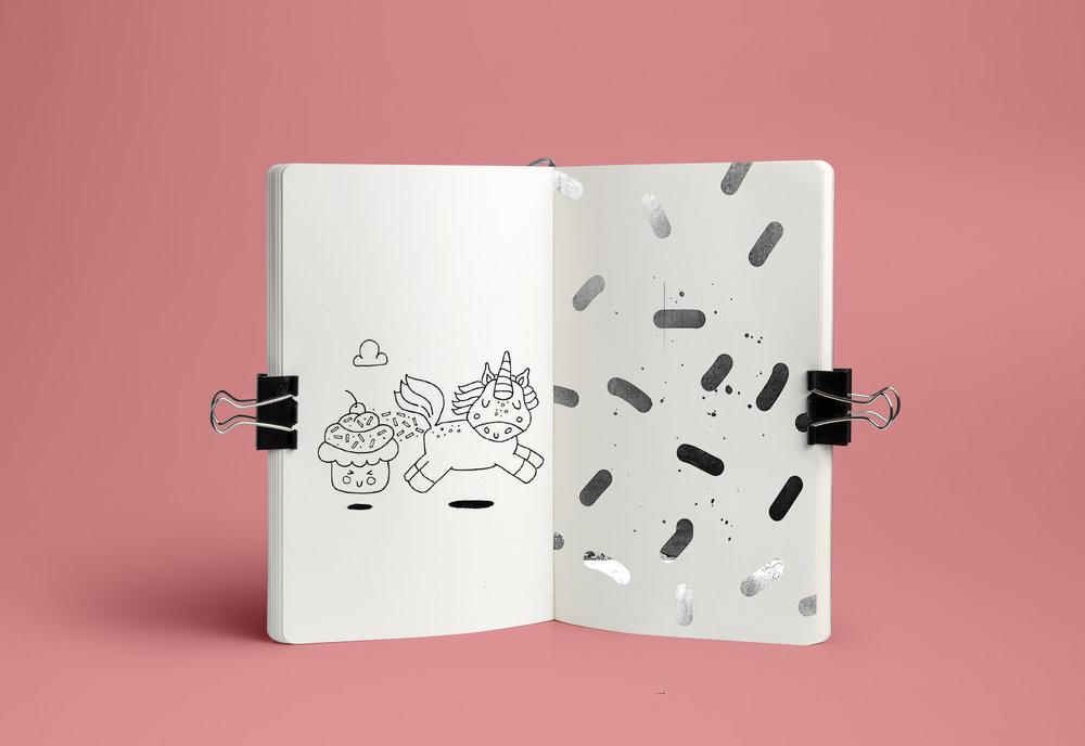 Notebook Mockup PSD é.jpg