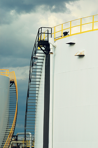 The negative impact on the Canadian economy of low oil and gas prices is expected to continue this year with further headcount cuts. istockphoto.com