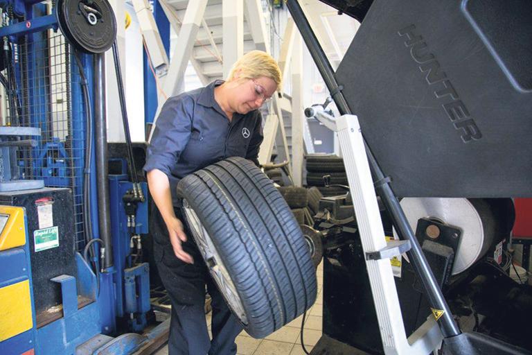 Kasey Waterman, an automotive service technician apprentice, was awarded a W. Garfield Weston Foundation Fellowship. Loyalist College