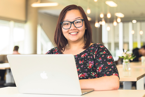 Algonquin College students who are enrolled in online courses benefit from personalized academic advising, online orientations and learning analytics software. Algonquin College