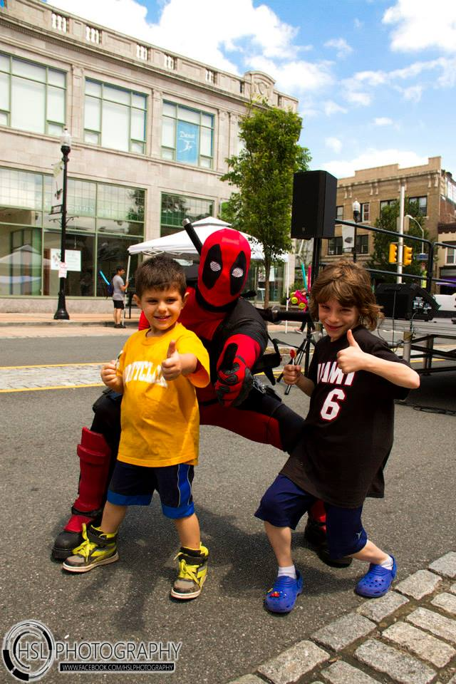 Deadpool and fans.jpg