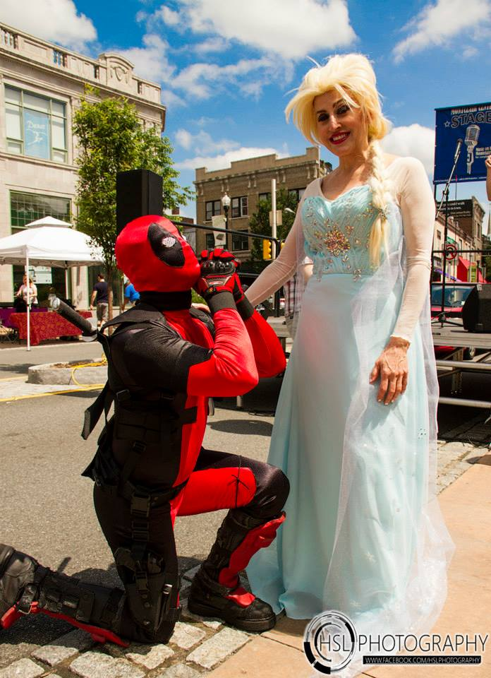 Deadpool proposes.jpg