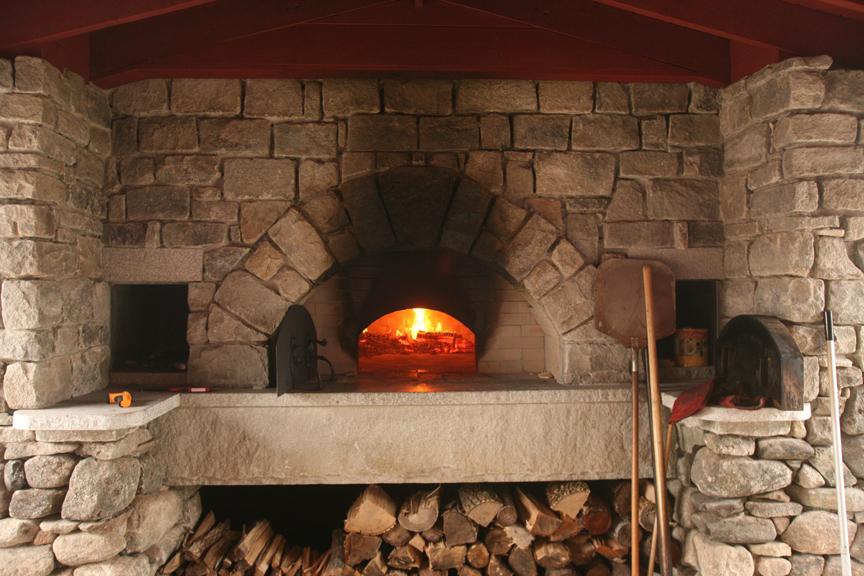 Designed by David Neufeld of Brick Oven Designs