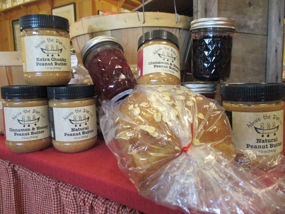 Above the Dam Peanut Butter, Maple Oat Bread, and Pietree Jams! Yum!