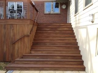 wood_stairs.jpg