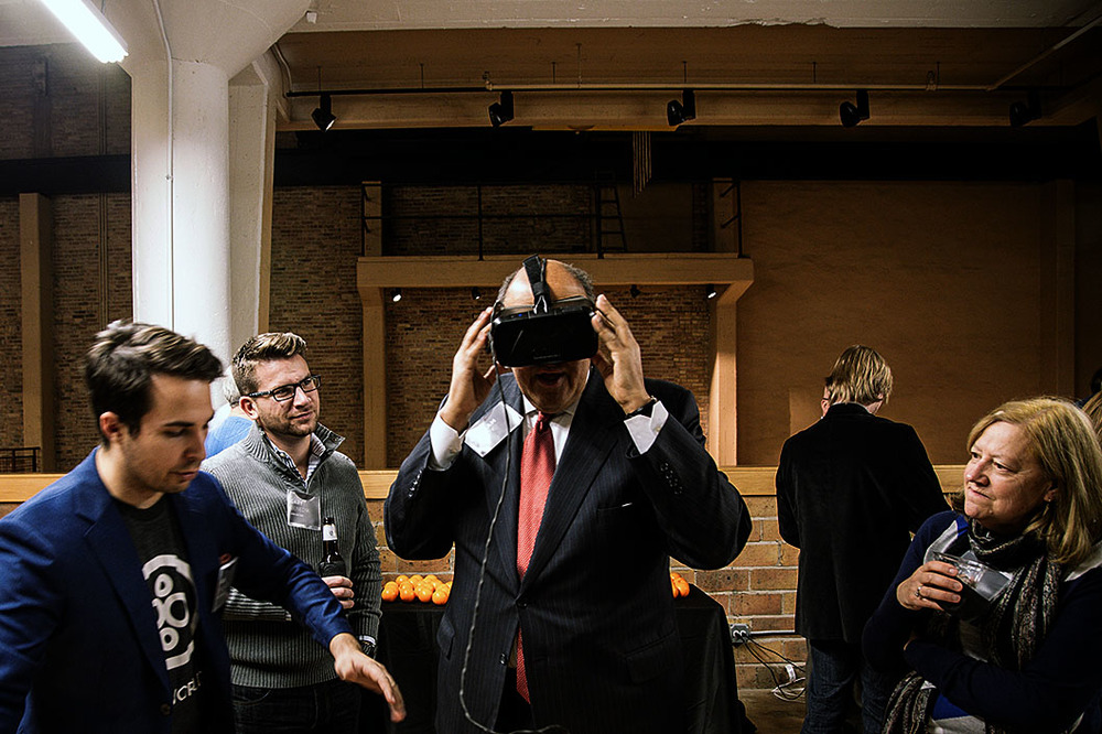 Ian Manger of BuiltWorlds shows Graham Grady of Shesfky & Froelich  the IrisVR Oculus Rift Demo.