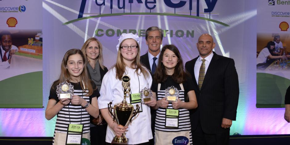 Back to back titles: For the second year in a row, the team from St. John Lutheran School in Rochester MI was the overall first-prize national winner of the 2015 Future City Competition. Photo: DiscoverE