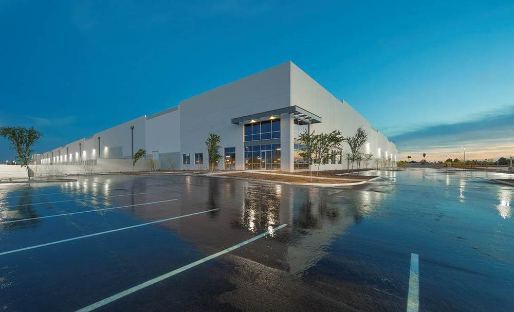 10 West Logistics Center, shiny and complete. (Photo courtesy of Graycor)