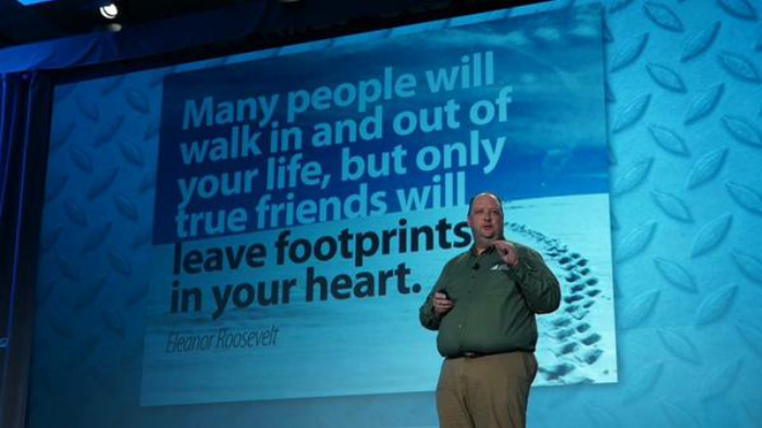 Inspiring the room: Robinson definitely made an impression, even if these footprints somehow walked around him!