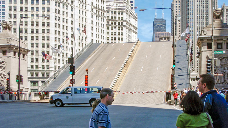 Magnificent Mile? Last week, the Michigan Ave. Bridge was stuck open for 50 min. In 1992, it stayed up for 52 days!