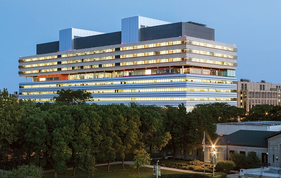 "Amid the controversy, U of C opened a new 10-story, $700-million, 1.2-million-sf ""hospital for the future"" in 2013."