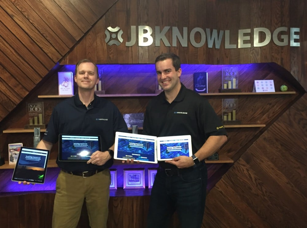 Tech titans together: Rob McKinney (left), the ConAppGuru,this week smiles with James Benham, aka JBKnowledge.