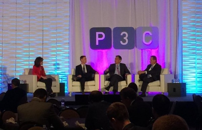Public possibilities (l-r): Mary Scott Nabers, Strategic Partners; David Spector, CDOT; Norman Dong, GSA; and George Burgess, former Miami-Dade County Manager, discussed strategies for overcoming public hurdles.