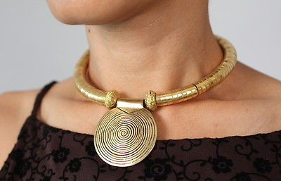 unique-brass-choker-necklace-pendant-tribal-nepal-handcrafted-jewelry-women-c020de85d6b79e31d2b160cda30f17ca.jpg