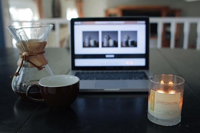 Taking advantage of southern California's rare rainy Sunday by spending the day at home with a cup of @portolacoffeelab and our Vanilla & Amber candle. #bringinglovetolight