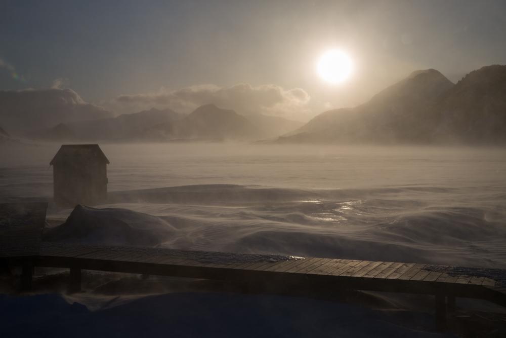 Alftavatn hut at sunset