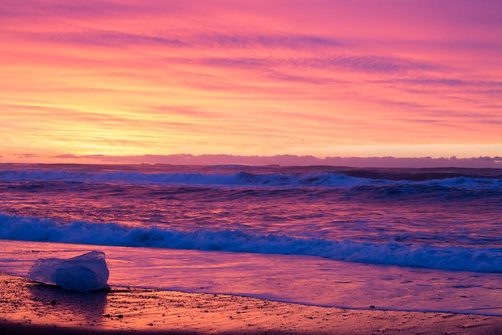 Mirroring sunrise in the ocean