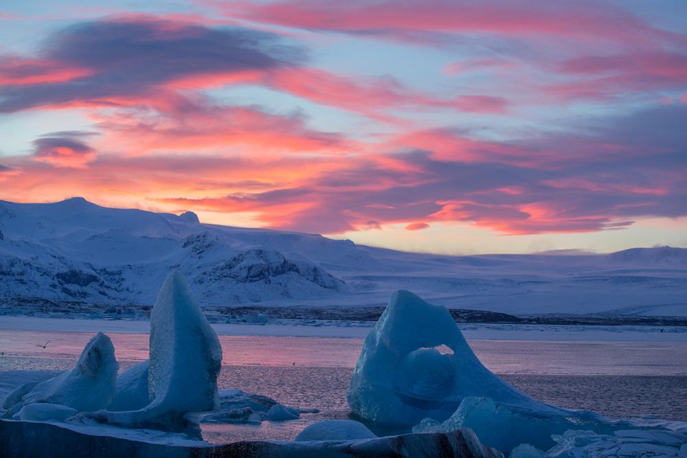 Sunset at Jökulsarlon in winter