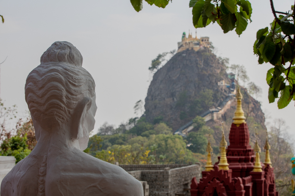 Statue with view to Taung Kalat