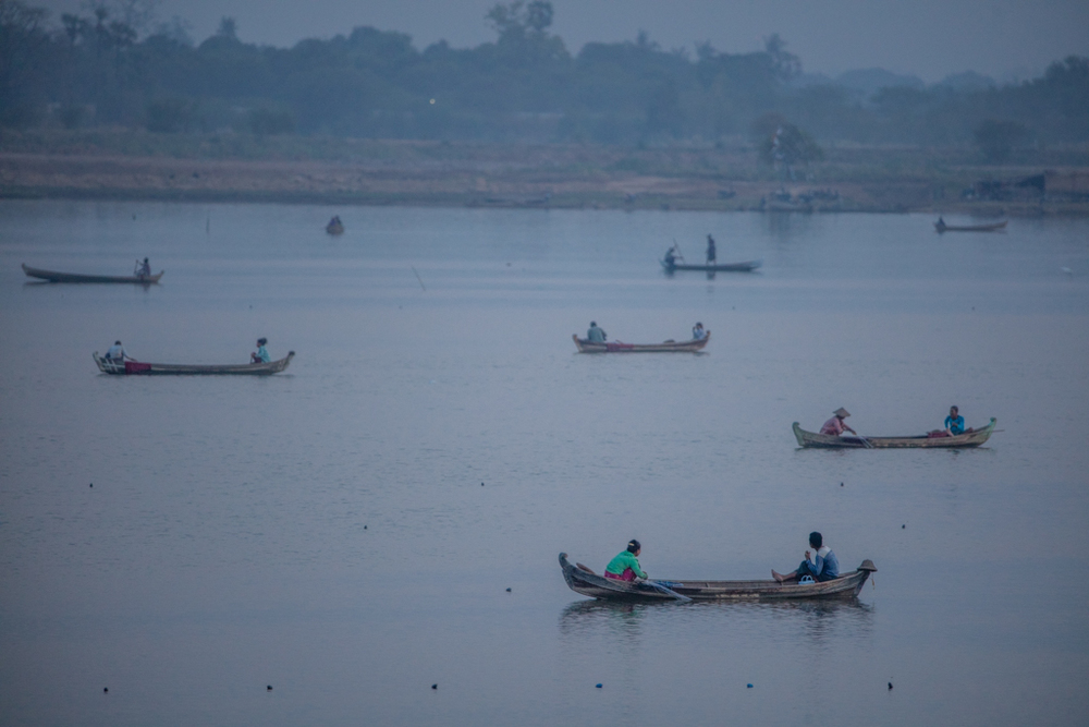 Numerous boats on Amarapura lake