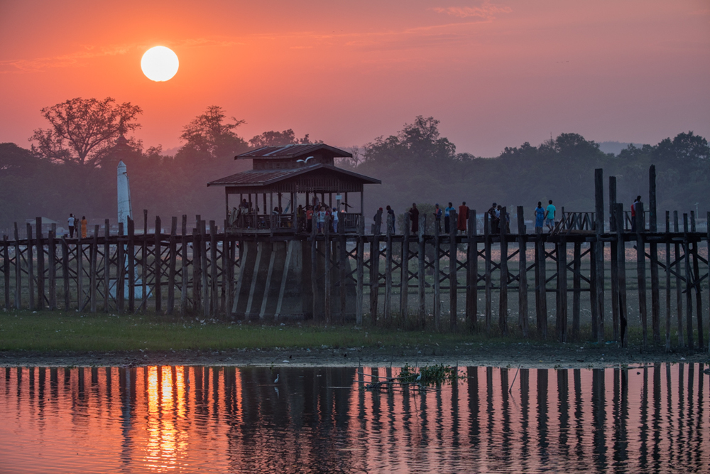 Sunset at Amarapura bridge