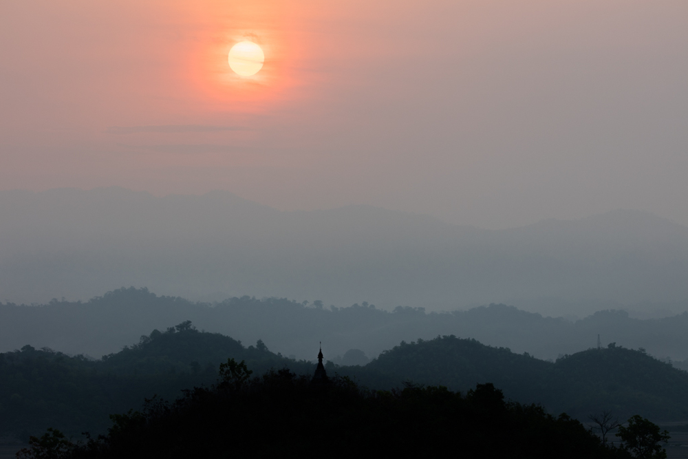 Sunrise in Mrauk U