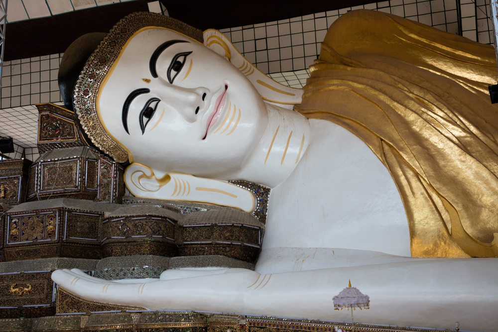 Face of lying Buddha