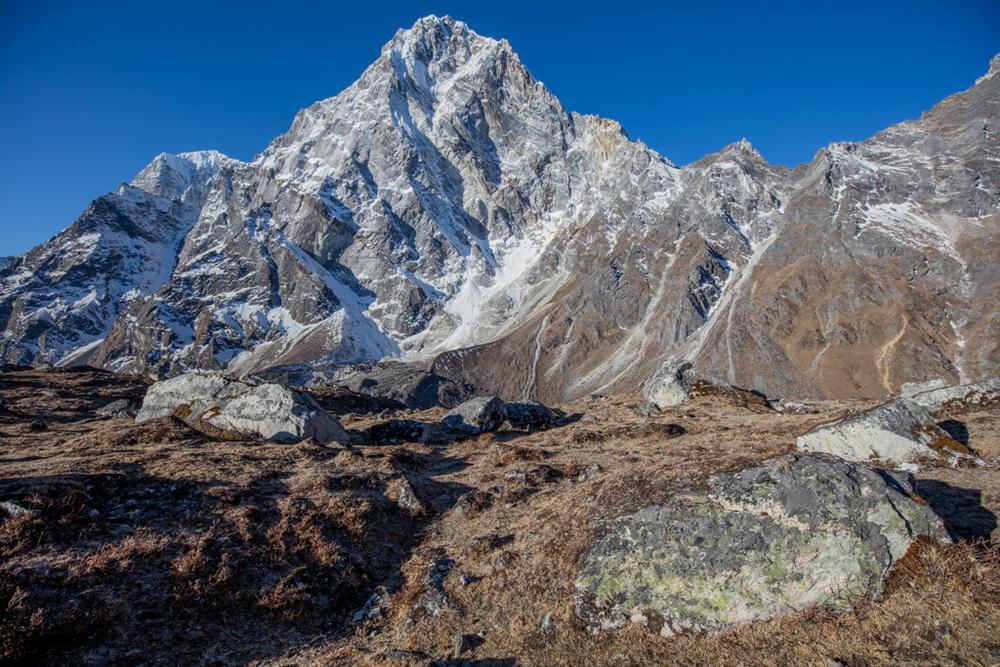 Impressive Cholatse (6335m)