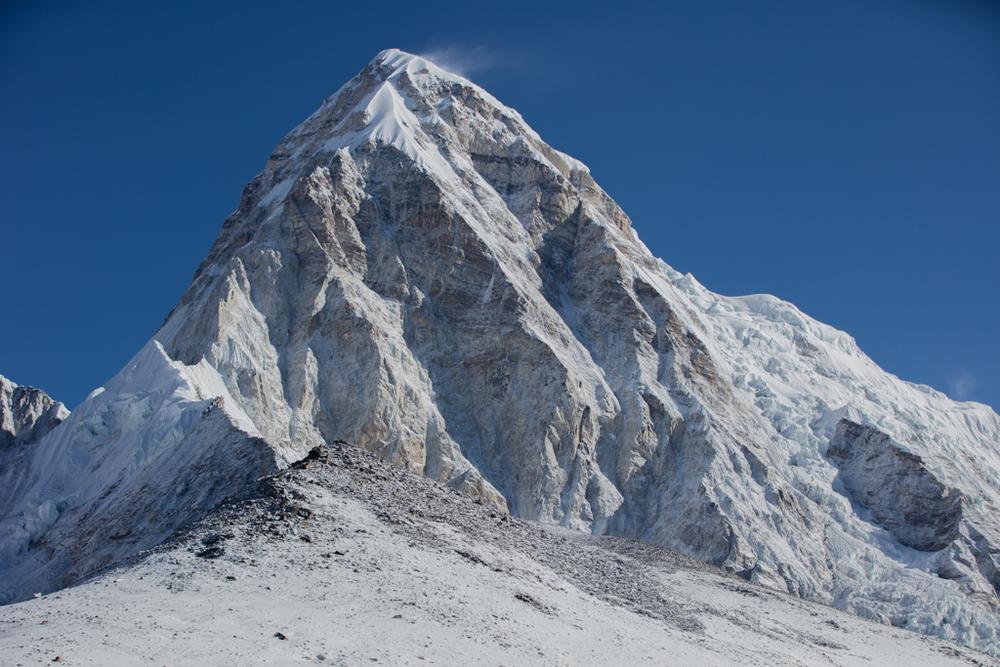 Pumo Ri (7165m) after surprising snowfall