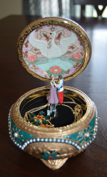anastasia-music-trinket-box-original